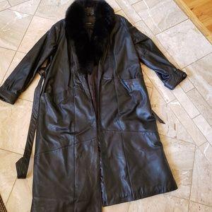 100% Ladies Leather Trenchcoat